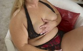 Plumpers And BW Mackenzie Blond Housewife Playing With Her Fat Body Plumpers And BW