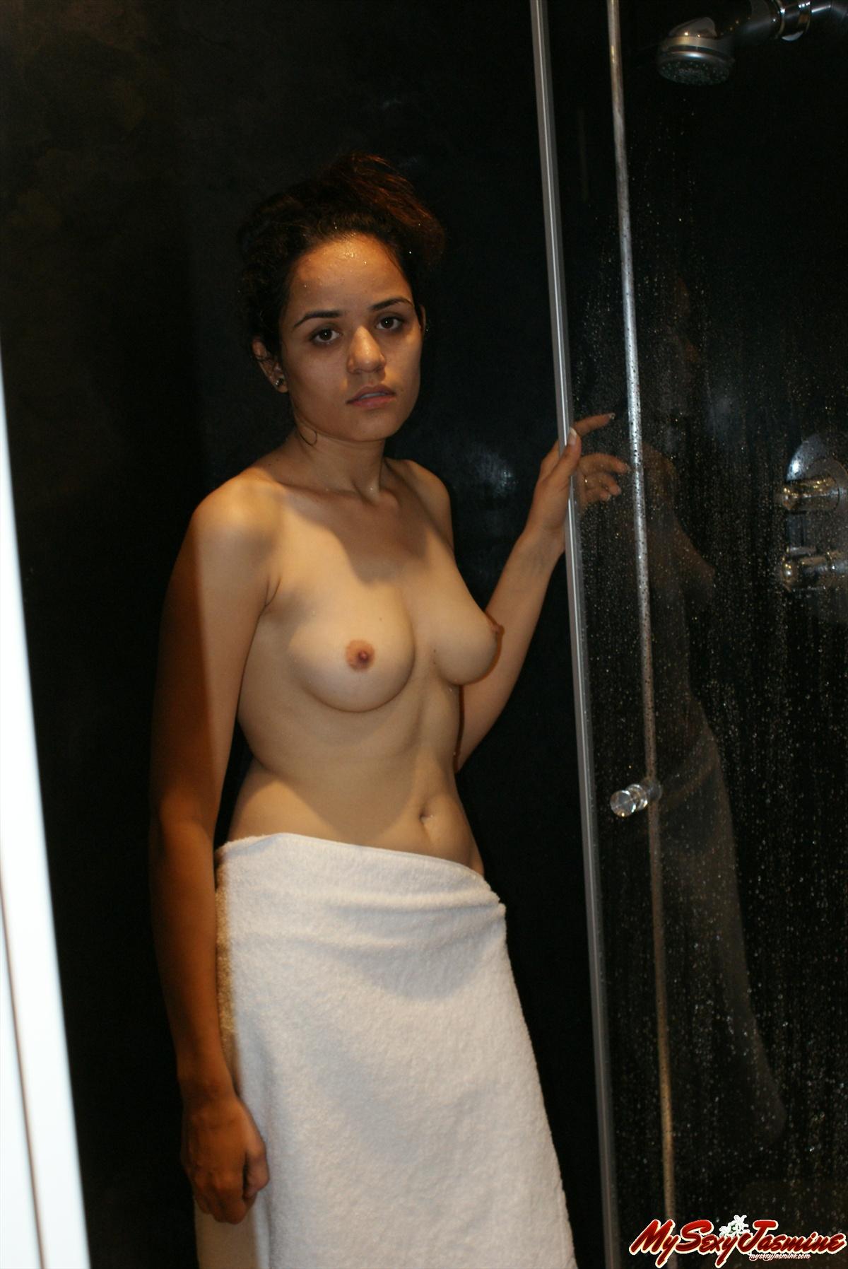 jasmin mai nackt