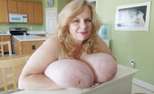 Divine Breasts Suzie Q Has Amazing Hooters Divine Breasts