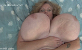 Divine Breasts Suzie Jiggle Big Boobs2 Divine Breasts