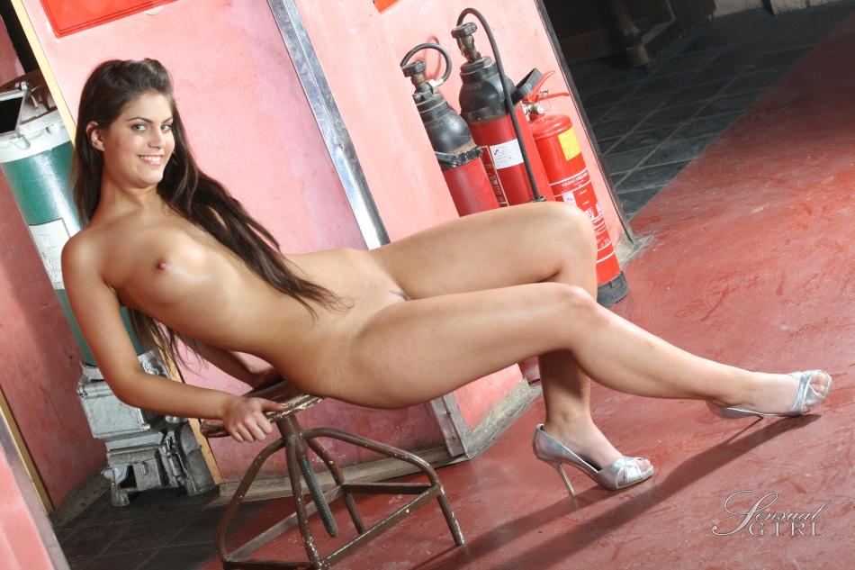 Nackt Francesca Kingdon  Francesca Kingdon