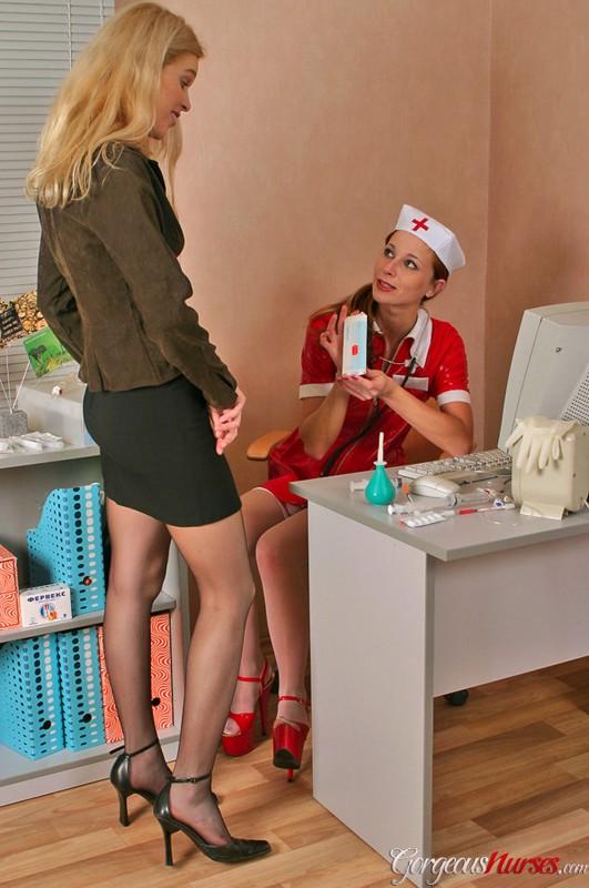 Lesbian Milfs Seduces Girl