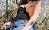 Smoking Divas 551719 Gal Outdoors Smokes Cigarette Smoking Divas