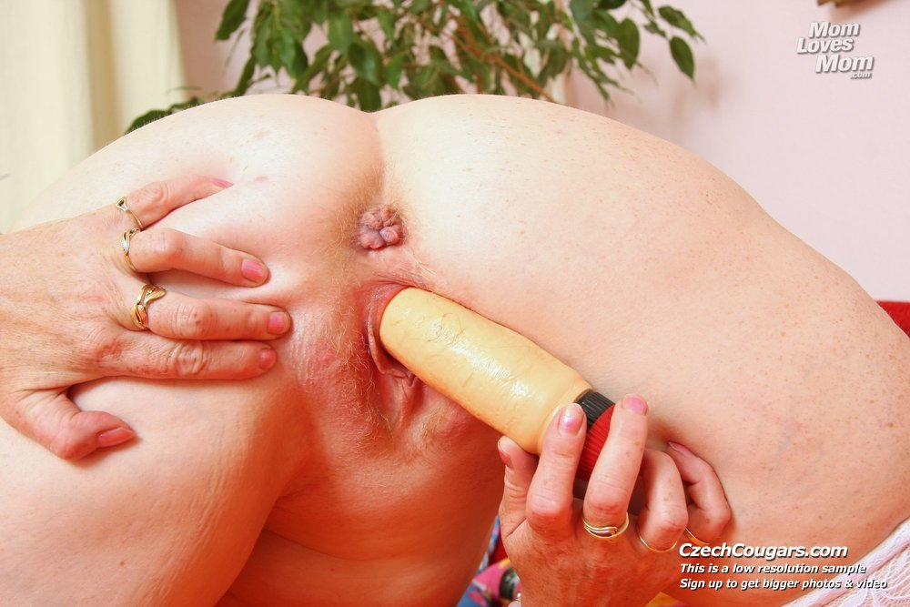 Blonde cougar cunny gaping by gyno physician 4
