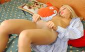 ePantyhose Land Linda Stunning Gal In Flesh-Colored Panthose Pampering Her Legs After Sweet Sleep ePantyhose Land