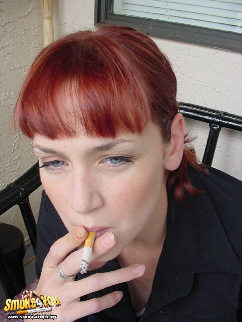 Red Head Teen Lesbian Strapon