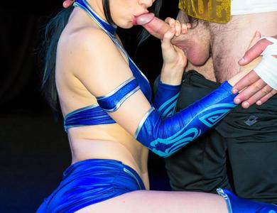 Aria Alexander Cosplays The Asian Fan Fighter In Mortal Kombat Brunette With Shaved Pussy Gets Slammed By An Arcade Character