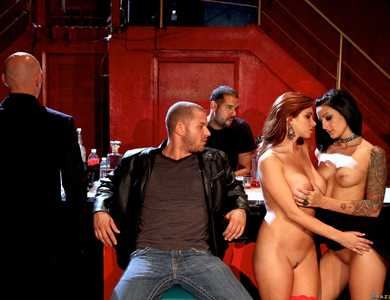 Sabrina Maree, Presley Maddox, Jessica Jaymes, Diamond Foxxx And Asa Akira Huge Orgy 608075 Several Famous Pornstars Sex Party At A Lounge