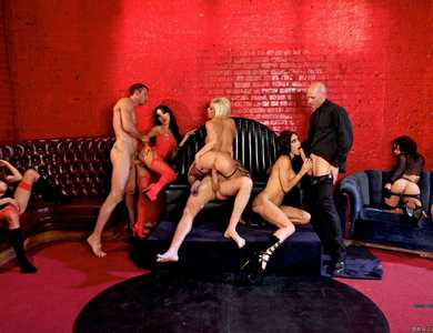 Sabrina Maree, Presley Maddox, Jessica Jaymes, Diamond Foxxx And Asa Akira Huge Orgy 608075 Several Famous Pornstars Sex Party At A Lounge