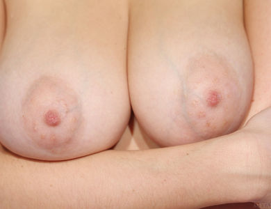 Isabella D Sedona Alluring Glamour Demonstrates Perfect Vagina Lips Stunner Blonde With Nice Vulva And Titties