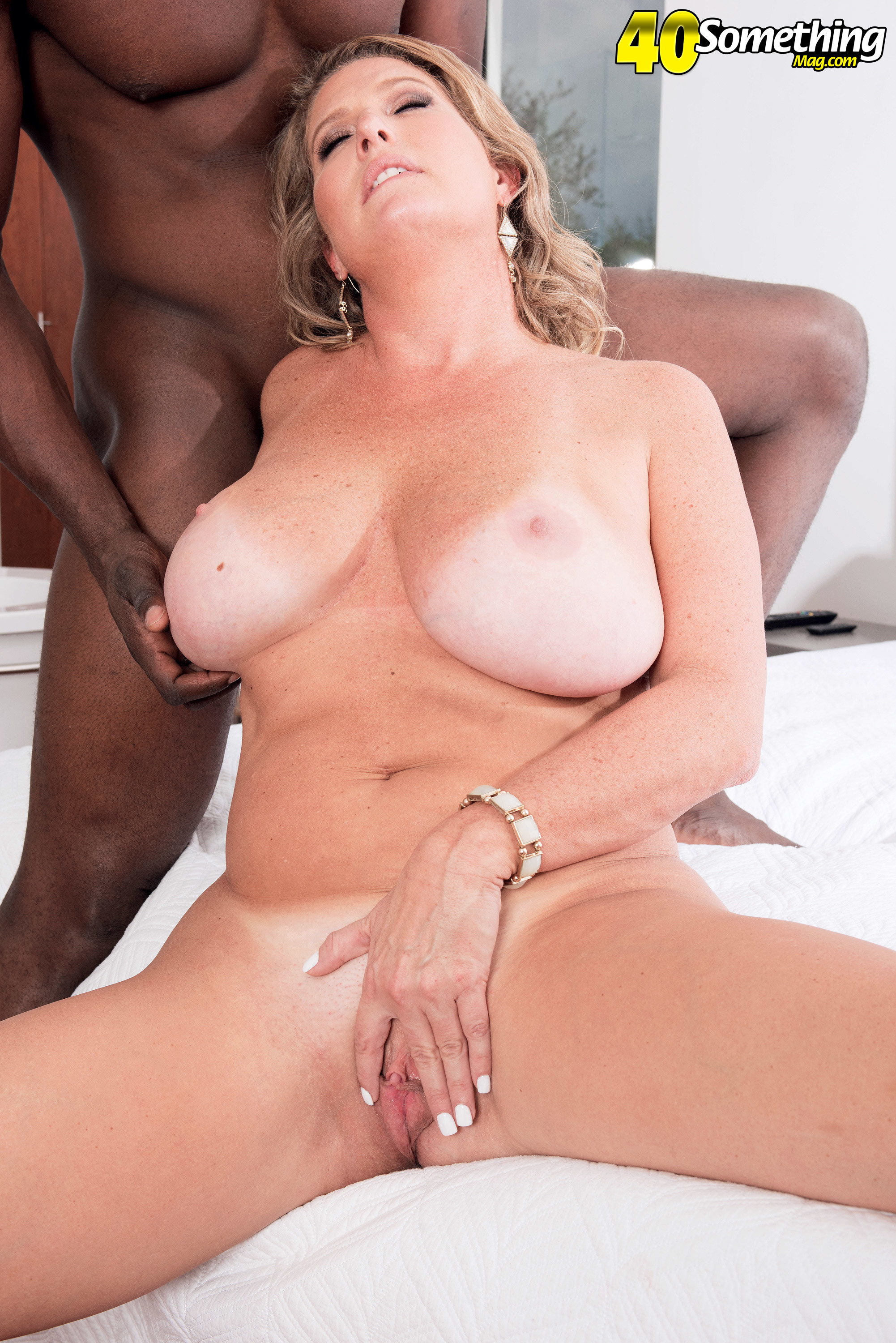 Candace Harley A Plump Mature First Taste Of Black Shlong 608102 Blonde Mom Falls In Luv With Her Black Man
