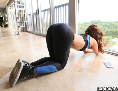 Yoga Babes Abella Danger And Kelsi Monroe Showing Off Their Large Booty 608118 Horny Man Cum And Join 2 Fitness Models In A Bootylicious Threesome