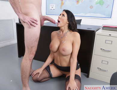 Sexy Teacher Reagan Foxx With Shaved Pussy Having Sex With Student Kyle Mason Only Way To Get Good Grade Is To Cum Blast Your Instructor Face