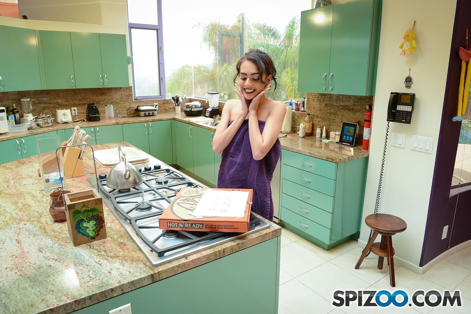 Tiny Roomate Janice Griffith Gets Excited With Pizza And Penis 608142 Lover Drops Bathing Robe To Suck Dick