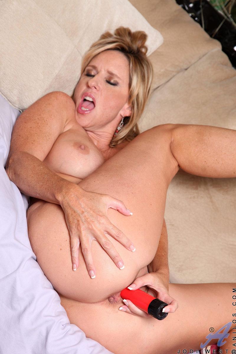 Actriz Porno Briya anilos jodi west voluptuous cougar jodi west bangs her milf