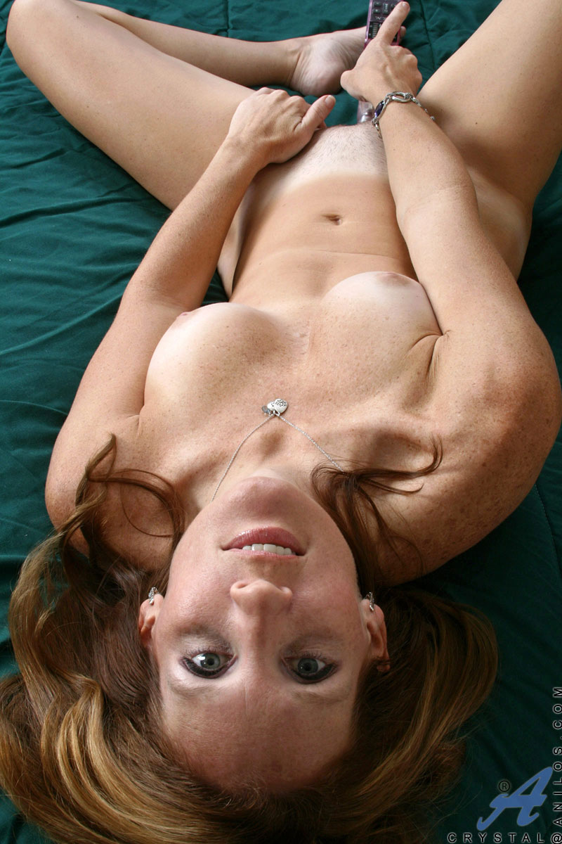 Actores Porno Jonny Deans anilos crystal classy anilos milf crystal is on her bed and
