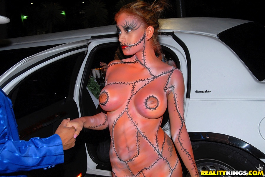 Nude and hot halloween pics