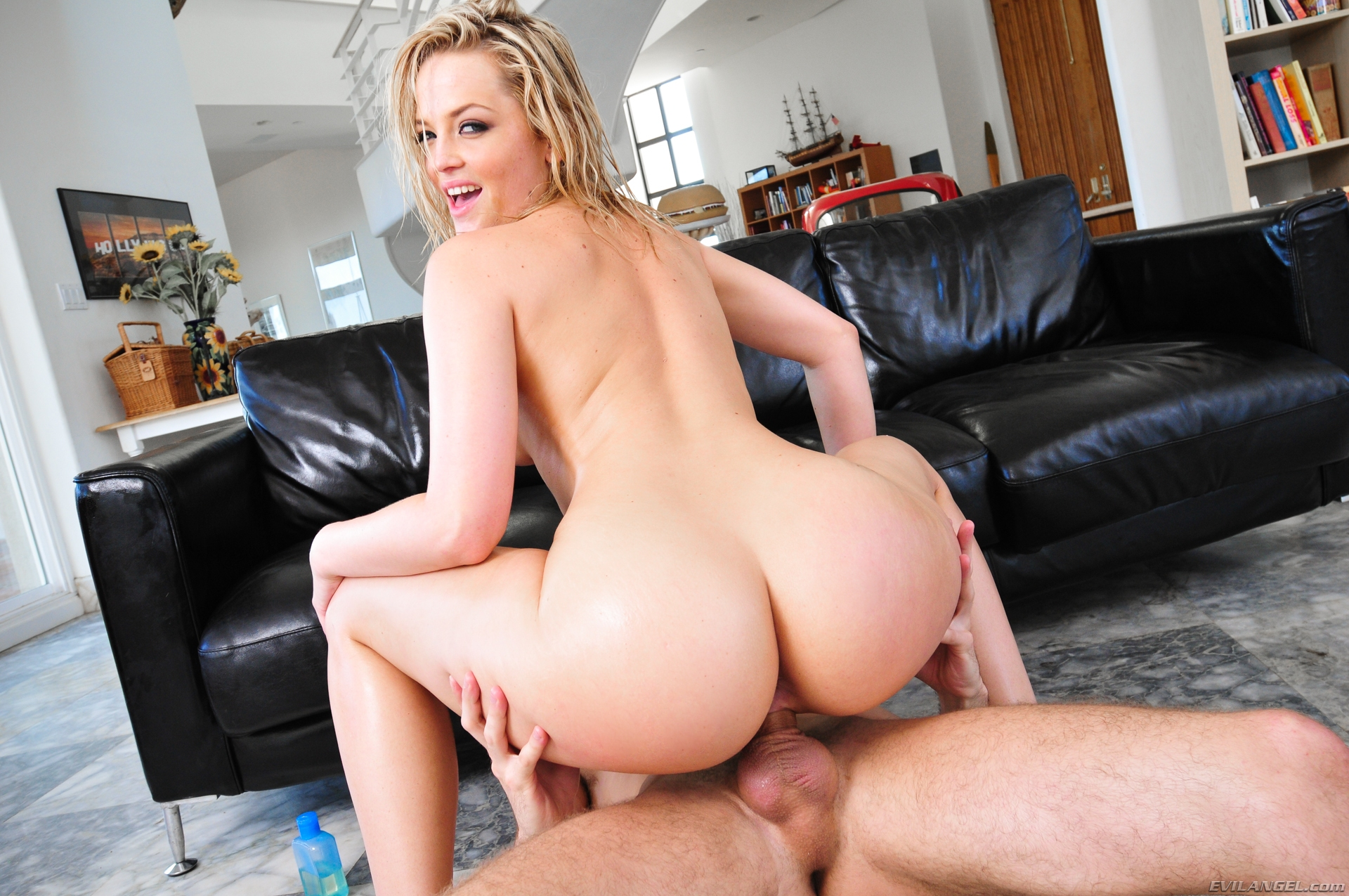 Hot naughty wife alexis texas getting fucked in the kitchen