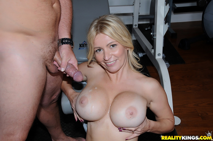 Latina milf personal trainer with big boobs milf pounders