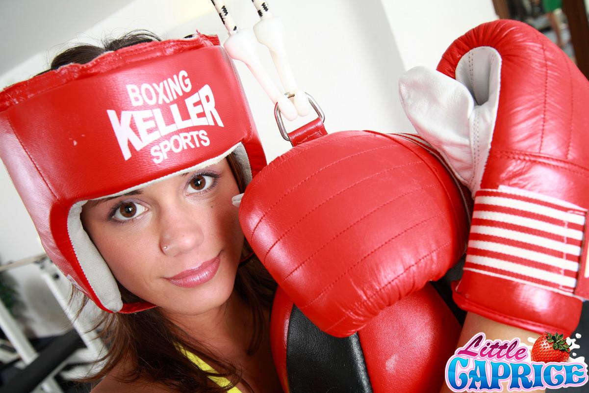Actriz Porno Boing little caprice pics_boxing02 little caprice boxing with her