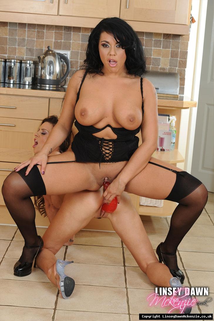 Actriz Porno Briya linsey dawn mckenzie linsey and dani kitchen sluts horny