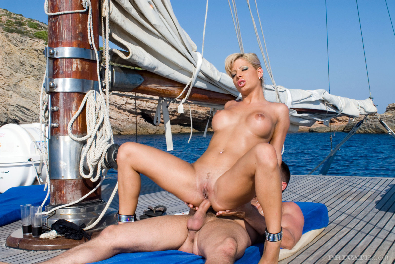 Stephanie sierra gets fucked hard on a boat
