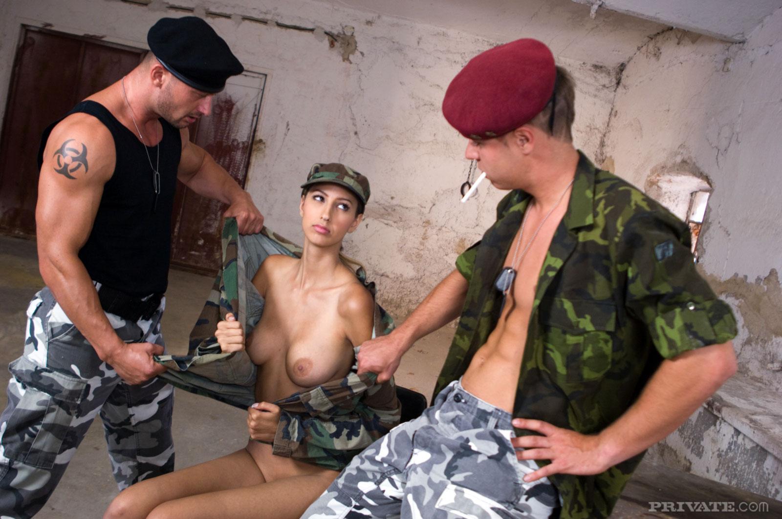 russkiy-voenniy-seks