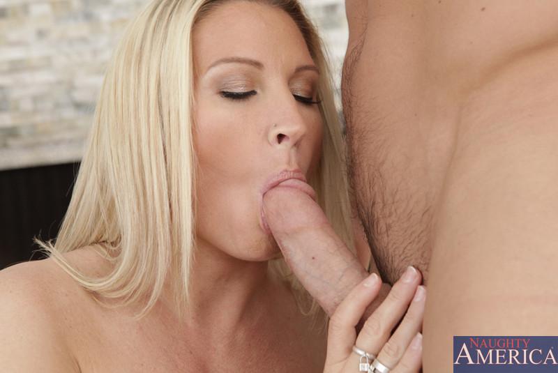 Frienfs hot mom blonde porn Hot Blonde Mom Seduces Son Free Xxx Photos Hot Porn Pics And Best Sex Images On Www Regionporn Com