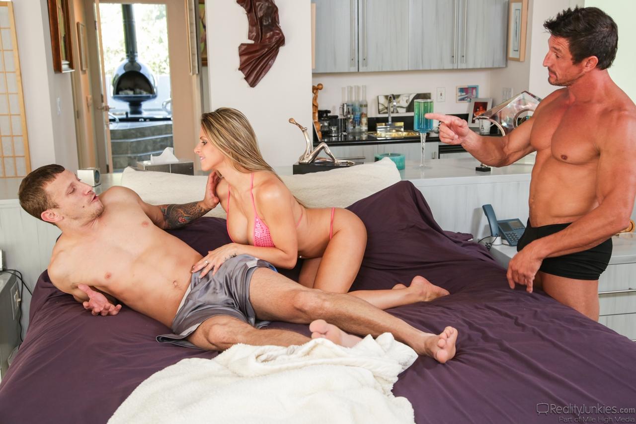 Aneska E Ivan Porn reality junkies tommy gunn & mr. pete & rachel roxx 178302
