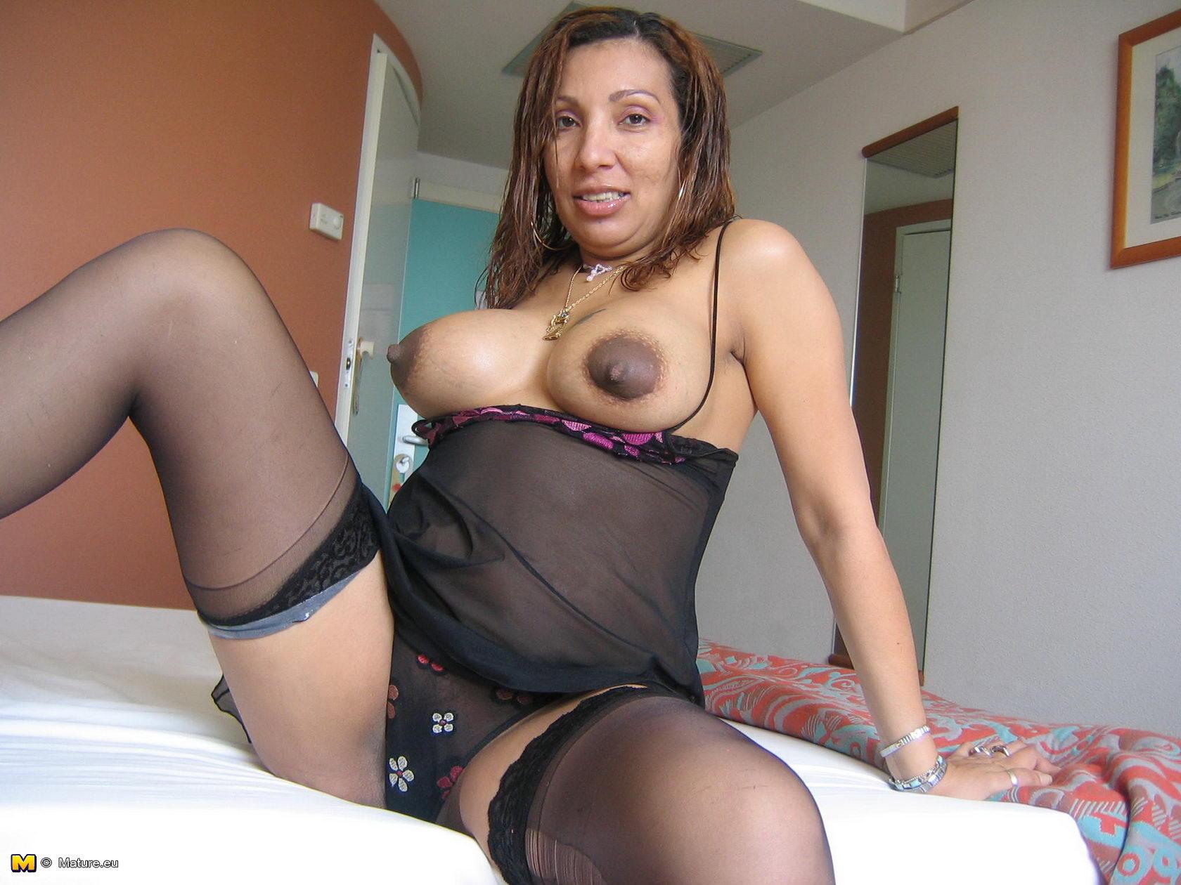 Arianny Celeste Actrix Porno mature.eu horny mature celeste loves playing with those toys
