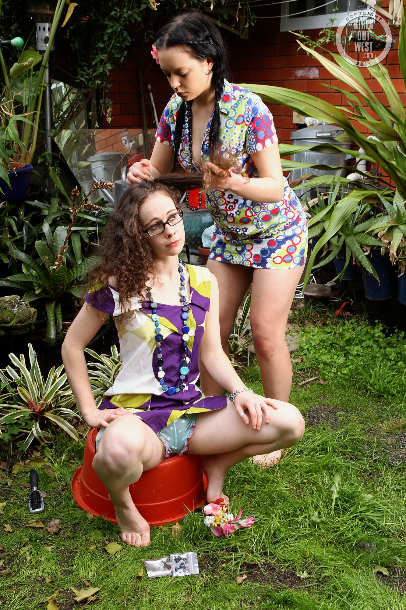 Actrices Porno Omas Francesas girls out west frances and rosie hippy chicks frances's
