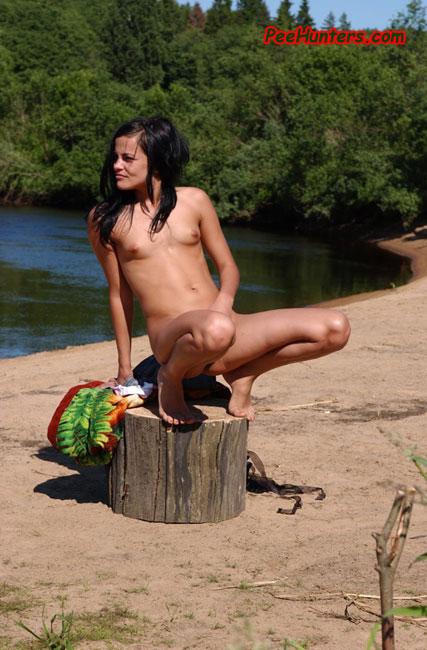 Rapetub Gallery Naked Peeing