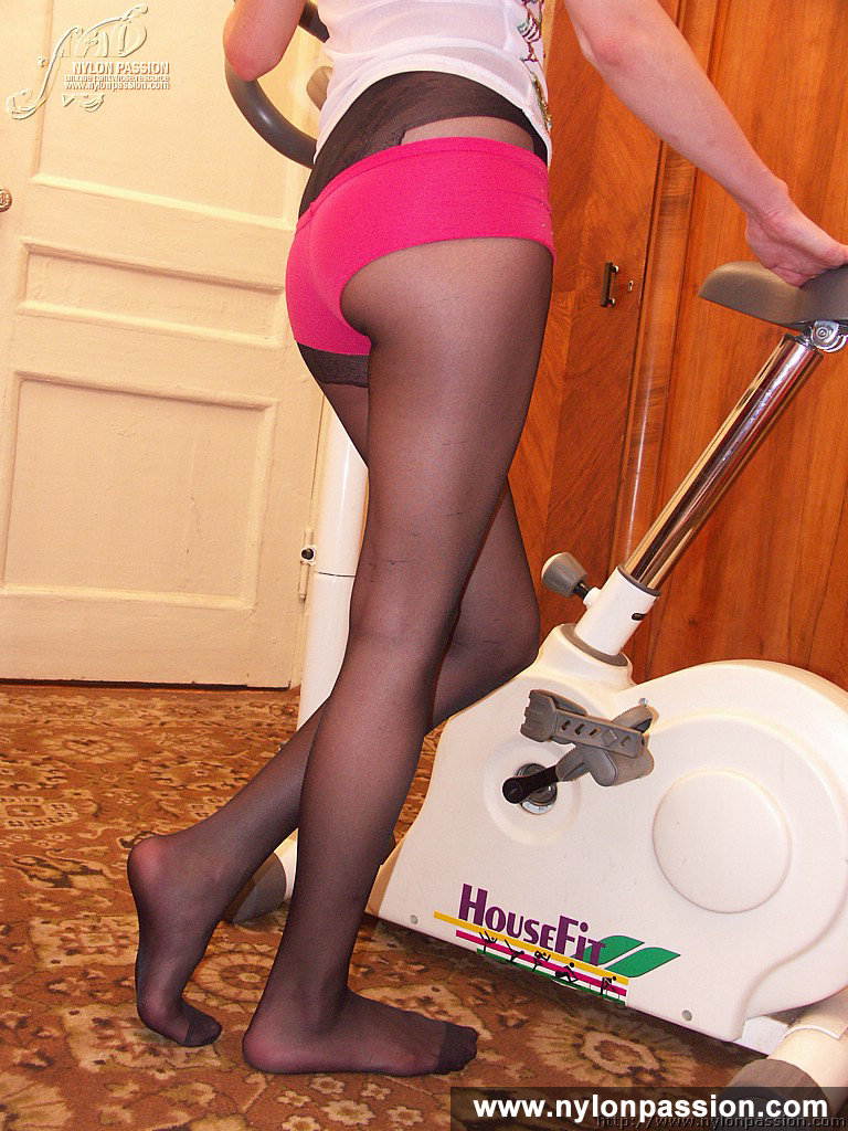 Pantimedias Casero Porno Mama nylon passion pantyhose shape shaping in black pantyhose no