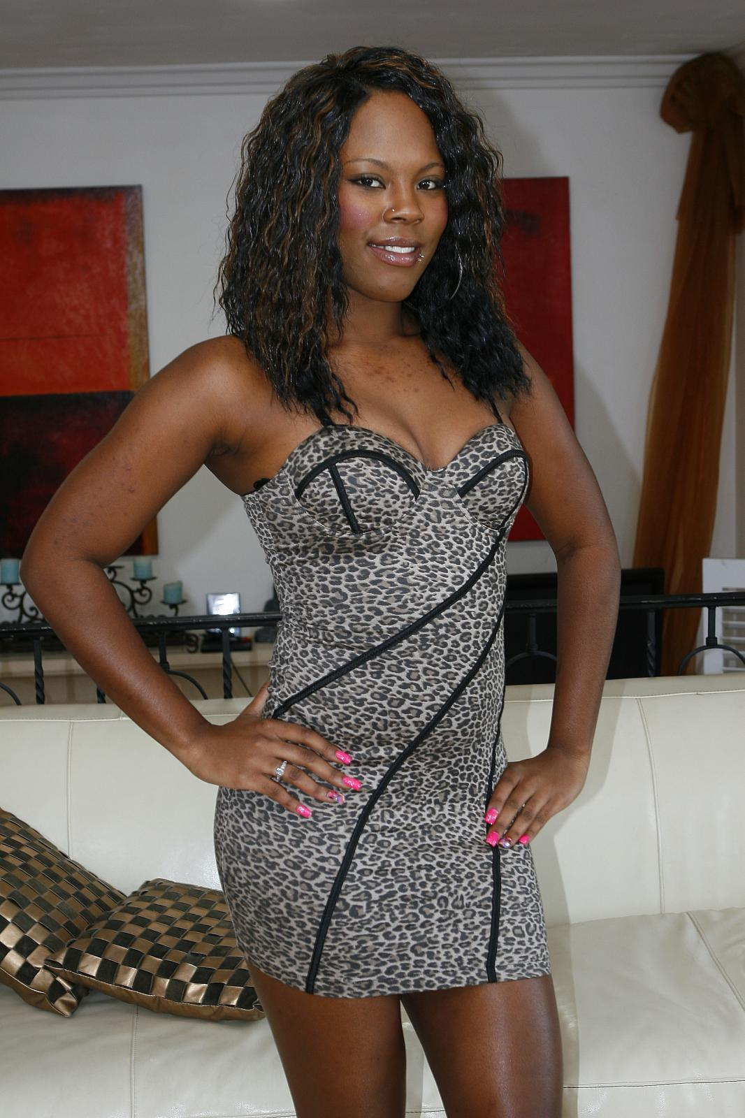 Ebony's Big Sister To Succeed Her
