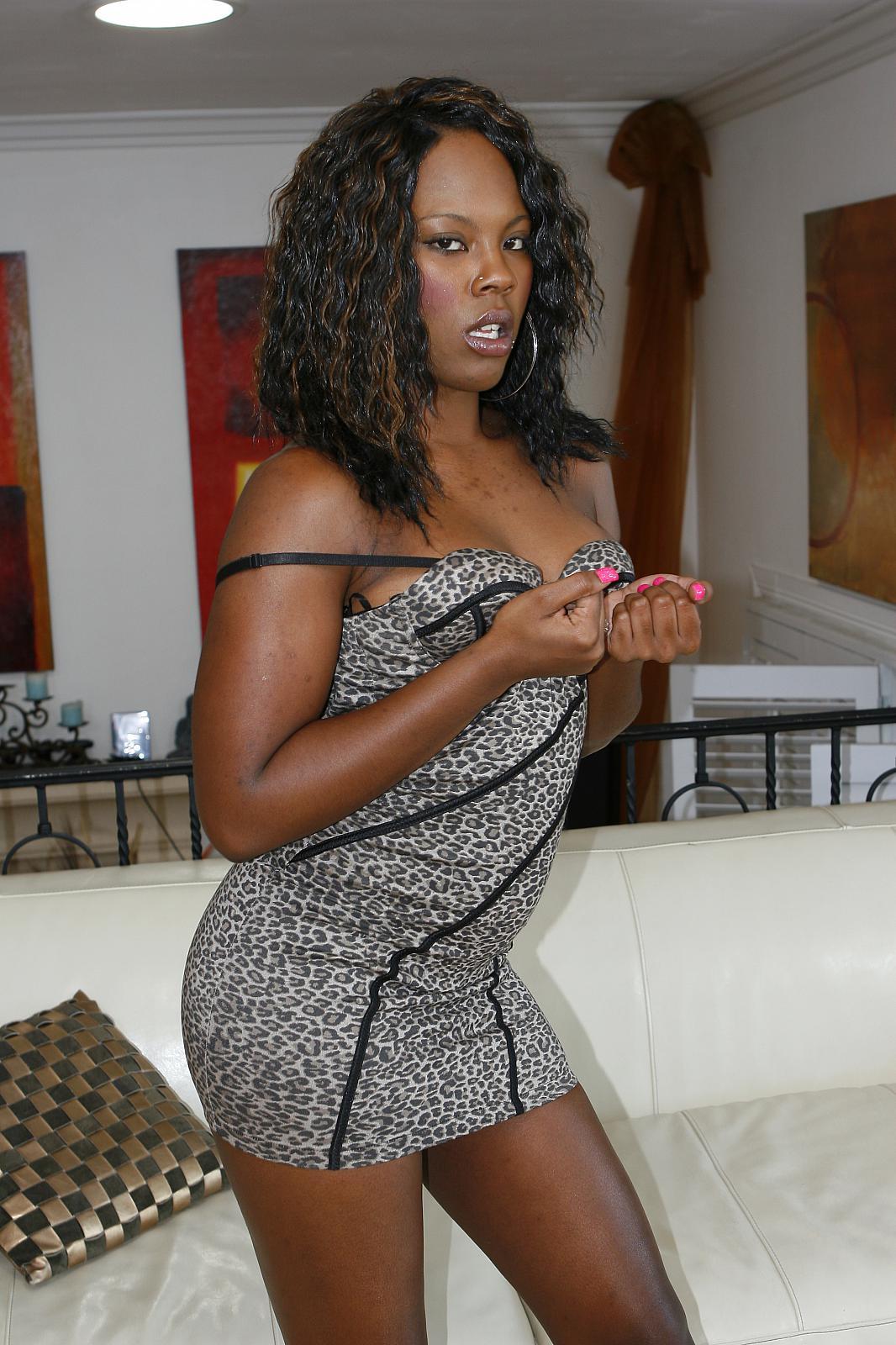 Actriz Porno Ebony Con Rastas combat zone xxx natalie evans & coffee brown ebony sisters