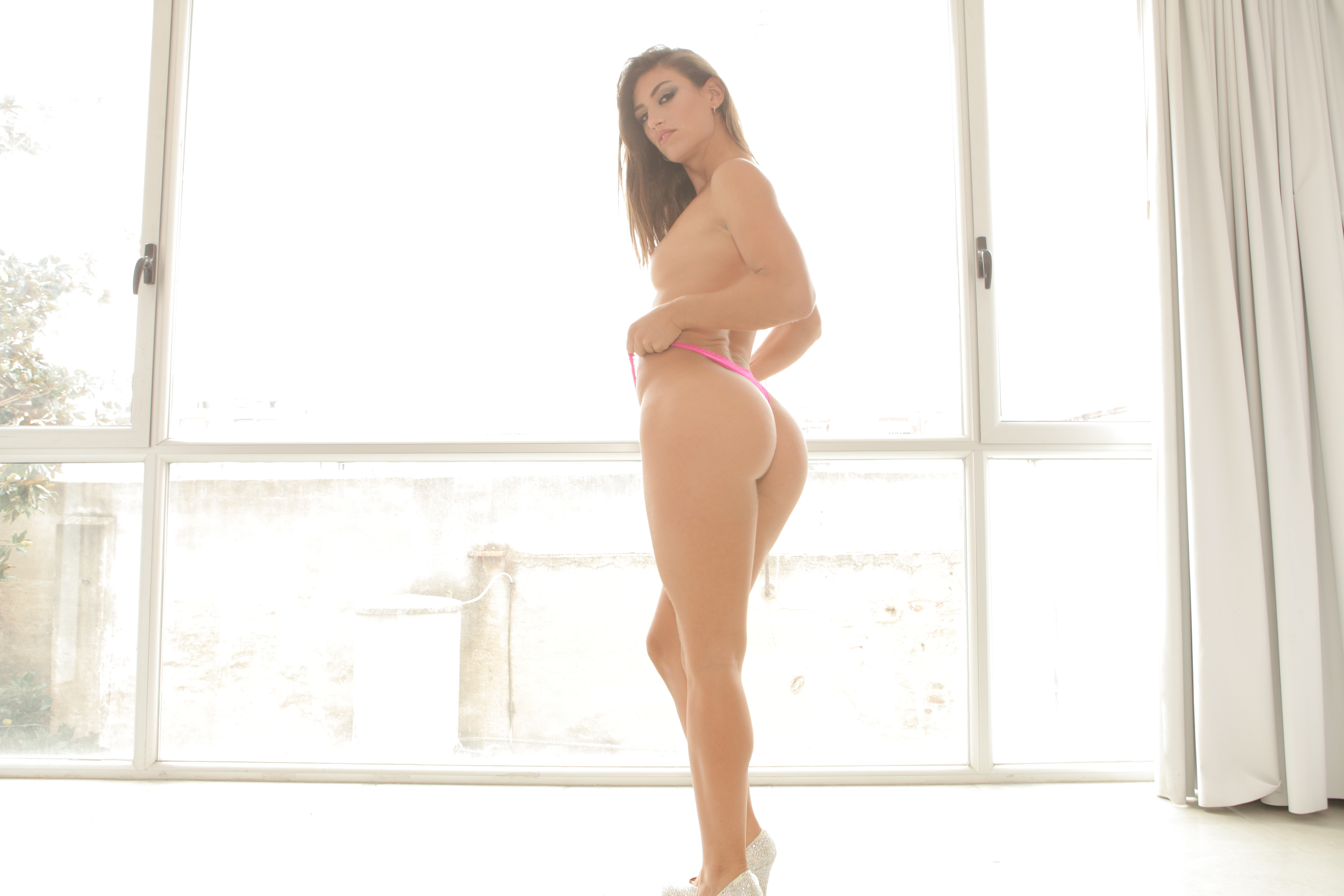 Alanis Cumlouder Argentina Porno julia roca and susy gala two bombshells with asses nacho
